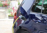 Elektro Auto läd